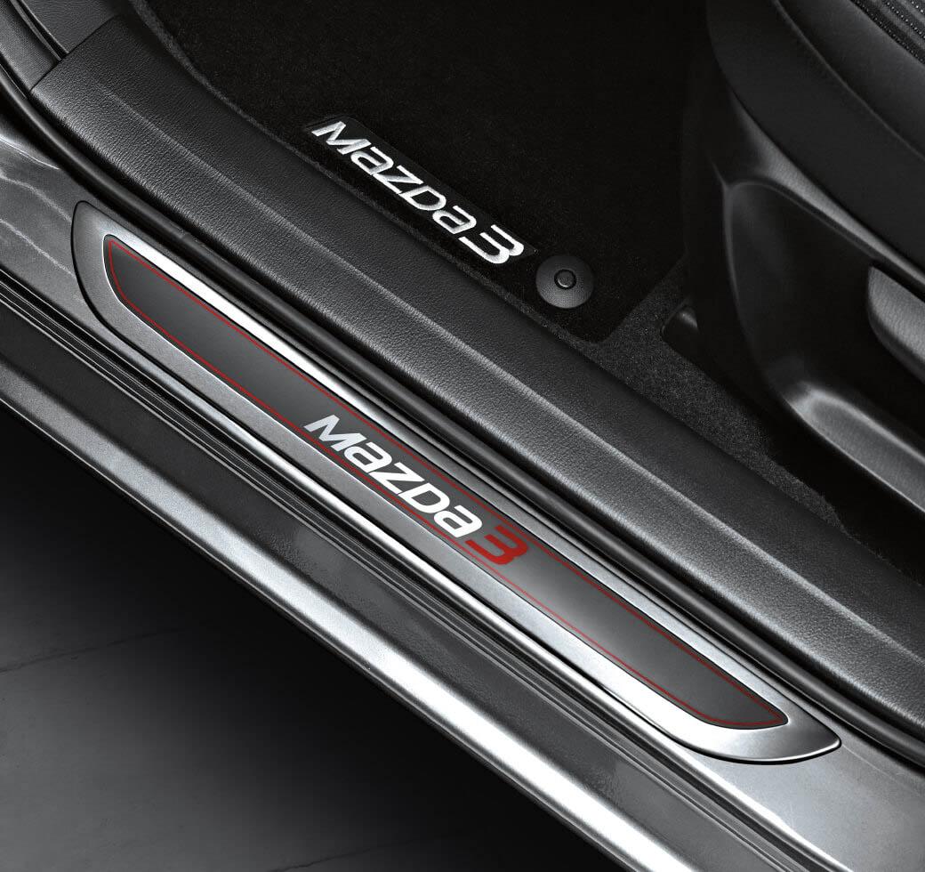 Mazda 3 Sedán 2017 - Accesorios